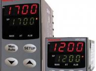 Bộ điều khiển nhiệt độ UDC1700